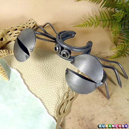 Horseshoe-Crab-Recycled-Metal-Outdoor-Sculpture-13-1