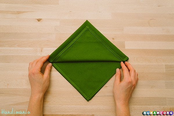 christmas-tree-napkin-fold04
